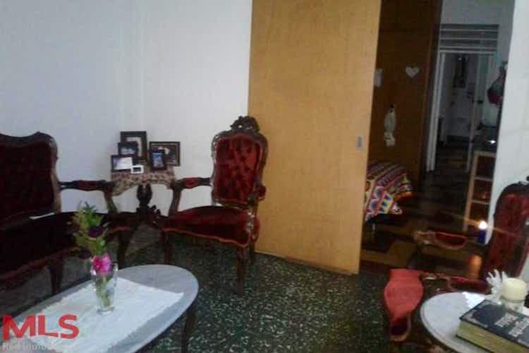 Portada Casa en Buenos Aires, Medellín, 6 Habitaciones- 185m2.