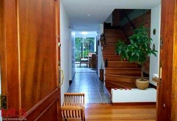 Jardines De Claraval, Casa en venta en Loma De Cumbres de 4 habitaciones