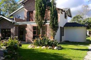 San Nicolas de Llanogrande, Casa en venta en San Antonio De Pereira de 4 hab.