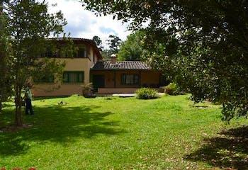 Finca en venta en V. Guayabito de 5 habitaciones