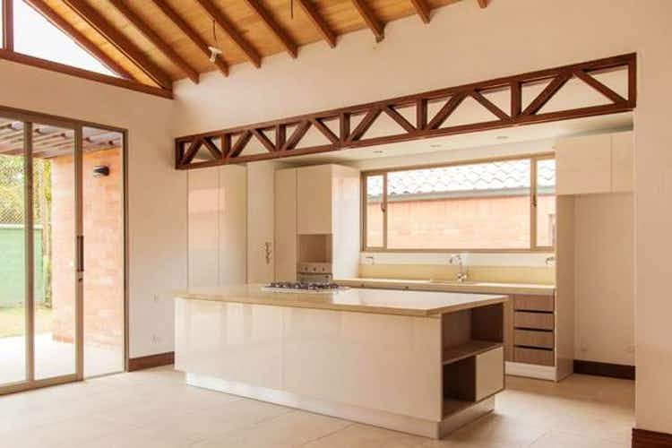 Portada Casa en Casco Urbano El Retiro, Retiro, 3 Habitaciones- 234m2.