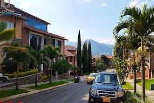 Casa en San José, Sabaneta, 4 Habitaciones- 300m2.