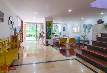 Montes Claros, Casa en venta en El Tesoro de 4 hab. con Jardín...