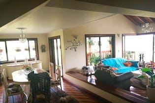 Casa en venta en Casco Urbano Guarne, 460m² con Jardín...