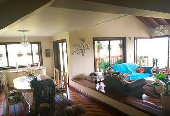Casa en venta en Casco Urbano Guarne con Jardín...