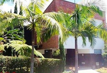 Fiore, Casa en venta en Loma Del Chocho de 4 alcobas