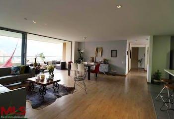 Apartamento en Madeiro (El Esmeraldal) - 184 mts, 3 parqueaderos.