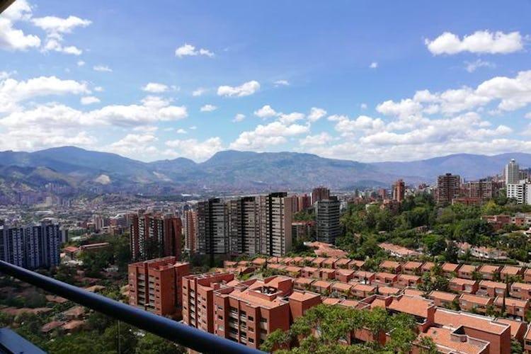Foto 2 de Apartamento en Zuñiga, Envigado - Tres alcobas