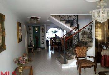 Casa en Almería, Medellín