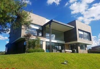 San Isidro, Casa en venta en Llanogrande 410m²