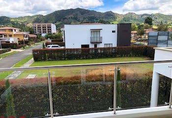 Casa en venta en Parque/Centro de 3 hab. con Jardín...