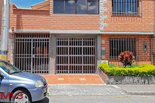 Casa en venta en Altos De La Pereira de 4 alcoba