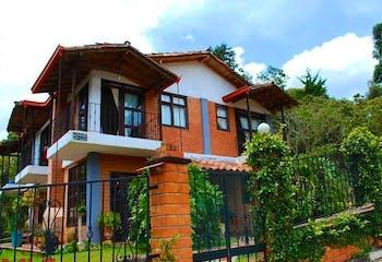Parcelas El Otro Lado, Casa en venta en Casco Urbano El Retiro de 243m²