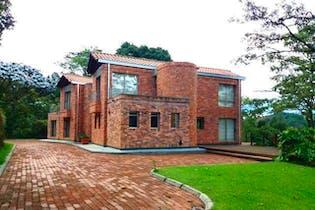 Altos de Villa Mazarello, Casa en venta en Guayabito, 450m²