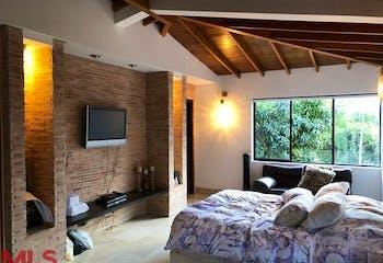 Loma Adentro, Casa en venta en Los Balsos, 240m² con Bbq...