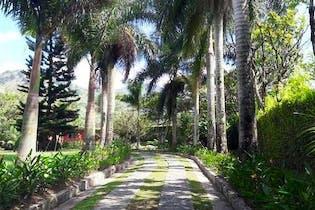 Finca en venta en Casco Urbano Barbosa 340m² con Piscina...