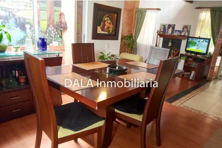 Portada Casa en Cundinamarca-Cota, con tres Habitaciones-343mt2