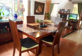 Casa en venta en Casco Urbano Cota, 343m² con Zonas húmedas...