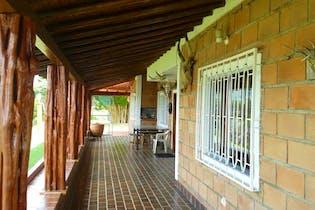 Finca en Guatape-Antioquia, con 2 Habitaciones - 327 mt2.