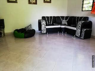 Una sala de estar con un sofá y una silla en No aplica