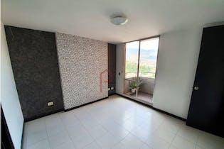 Apartamento en Los Colores, Estadio - 82mt, tres alcobas, balcón