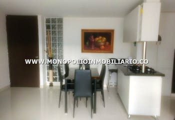 Apartamento en Cabañitas, Bello - 81mt, tres alcobas, balcon