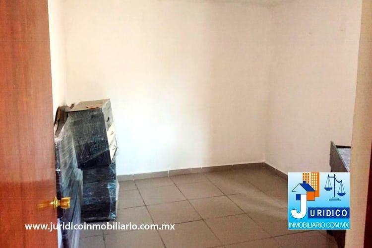 Portada casa céntrica en venta en Chalco, Con 6 Recamaras-323mt2
