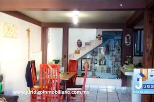 Casa en venta en Las Flores de tres recamaras