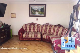 Casa en venta en Los Jacalones, Con 5 Recamaras-203mt2