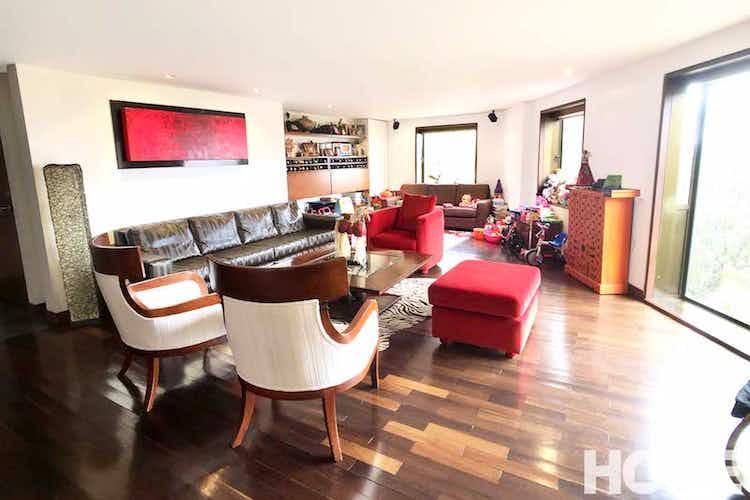 Portada Apartamento en Chicó-Rosales, con 3 Habitaciones - 210 mt2.