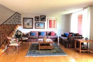 Casa en venta en Parques De La Herradura de 265 mts2 de 2 niveles