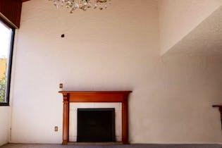 Casa en venta en Fuentes del Pedregal de 385 mts2 de 3 niveles
