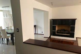 Casa en venta en Lomas de Vista Hermosa de 332mts, dos niveles