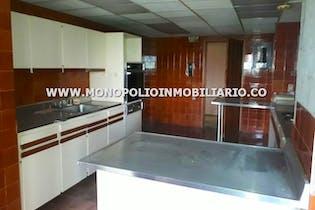 Apartamento en venta en La Aguacatala de 339m² con Jardín...