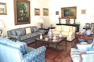 Casa en venta en Hacienda De Las Palmas, 425mt