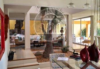 Casa en venta en La Hacienda de 392 mt con chimenea