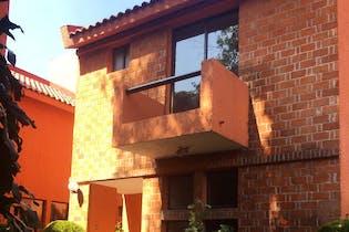 Casa en venta en San Jerónimo Lídice, de 387mtrs2, con 2 balcones
