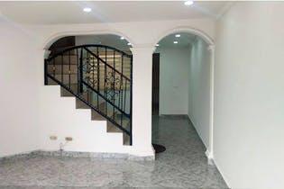 Casa en Primavera Occidental, San Rafael Industrial - 102mt, cuatro alcobas, tres niveles