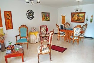 Casa en laureles-santa monica. Con 5 habitaciones-110mt