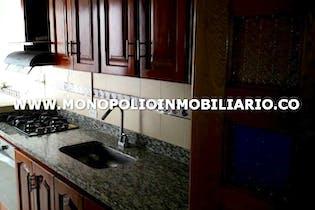 Casa Bifamiliar Para La Venta En Medellin - La Floresta Cod. 7695