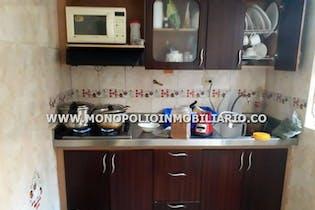 Casa en venta en Centro de 4 hab. con Piscina...
