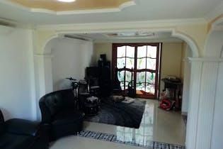 Casa en venta en Belén Centro de 5 hab. con Zonas húmedas...