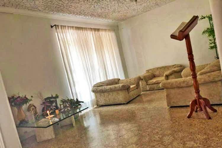 Portada Casa en laureles, las acacias. Con 5 habitaciones- 270mt2