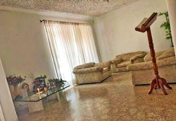 Casa en laureles, las acacias. Con 5 habitaciones- 270mt2