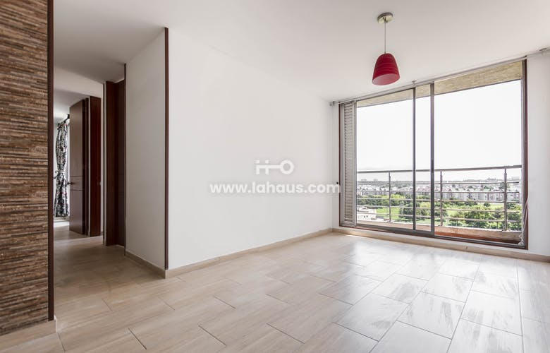 Portada Apartamento con Balcón de 61m2