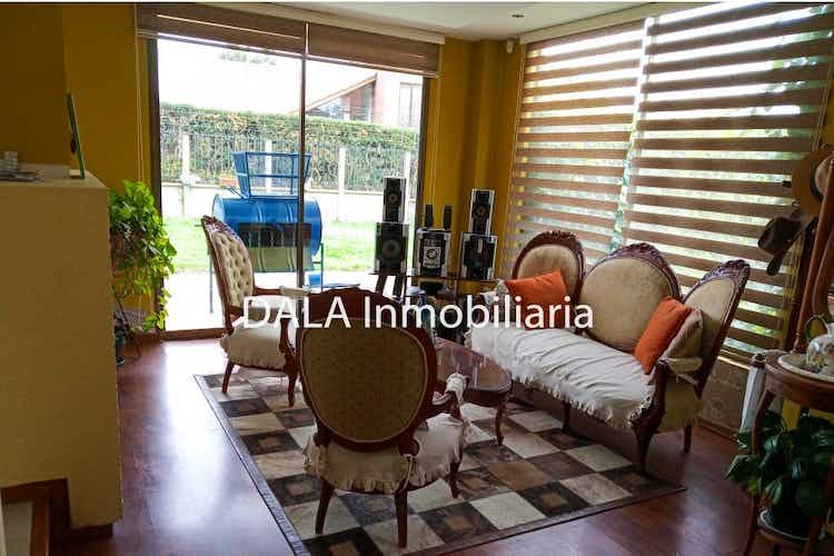 Portada Casa en Chia-Vereda Cerca De Piedra, con 4 Habitaciones - 471 mt2.