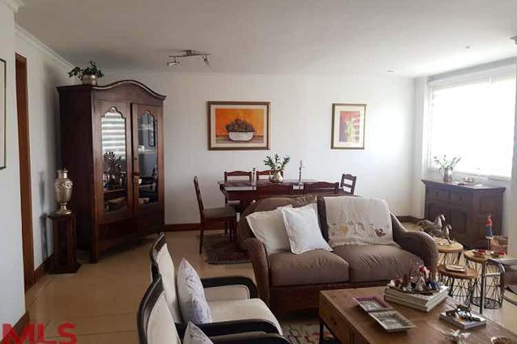 Portada Apartamento en Los Balsos., Poblado - 140mt, tres alcobas, balcón
