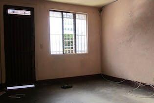 Casa en Girardot, Castilla - 91mt, tres alcobas, balcón