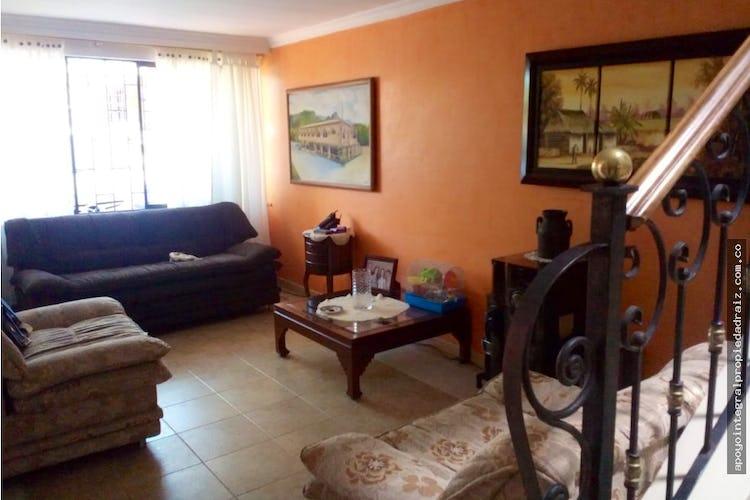 Portada  Casa Sector Belén Las Violetas, con 4 habitaciones-94mt2