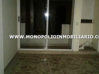Un cuarto de baño con un inodoro y una ducha en CAMELIA 502